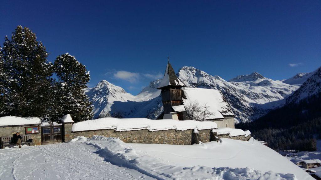 das idyllisch gelegene Bergkirchlein in Innerarosa