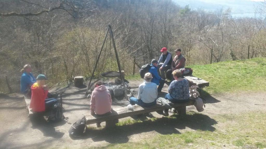 ..... machen wir unseren wohlverdienten Picknickhalt bei der Feuerstelle.