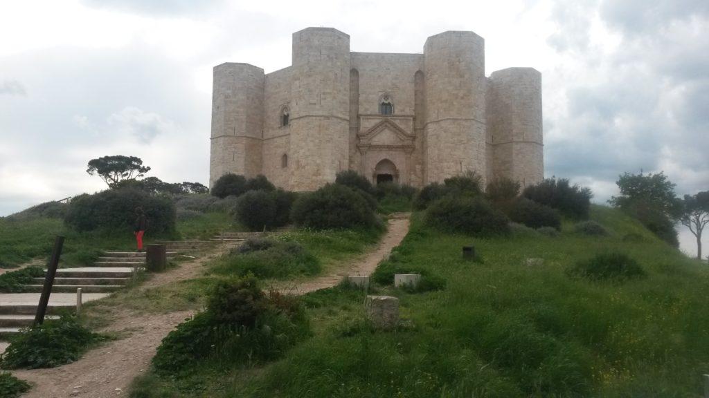 Castel del Monte, mittelalterliche Burg in Andria (540m)