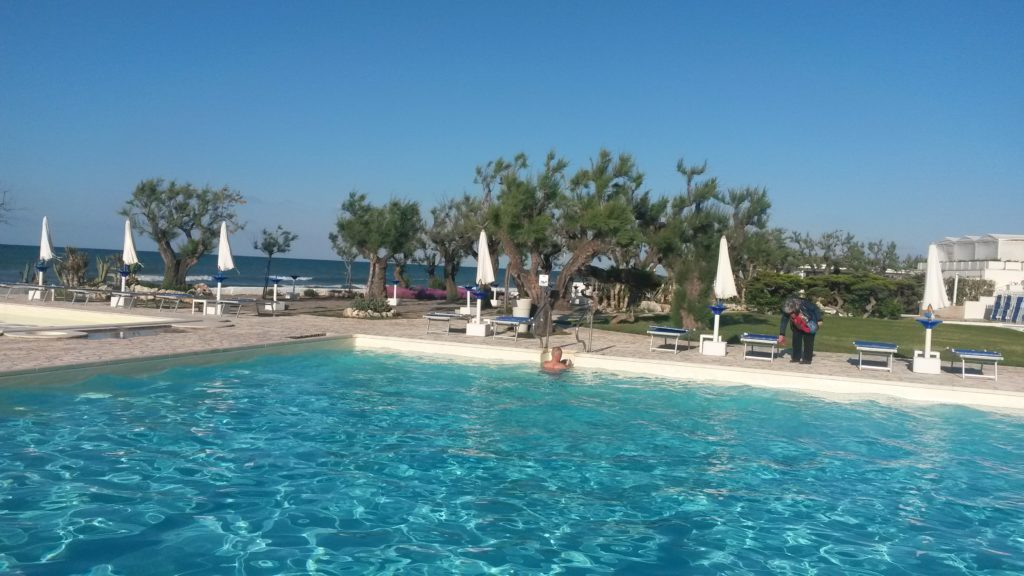 Hotel del Levante, Poolvergnügen  bei einer Wassertemperatur  von ca. 20 Grad