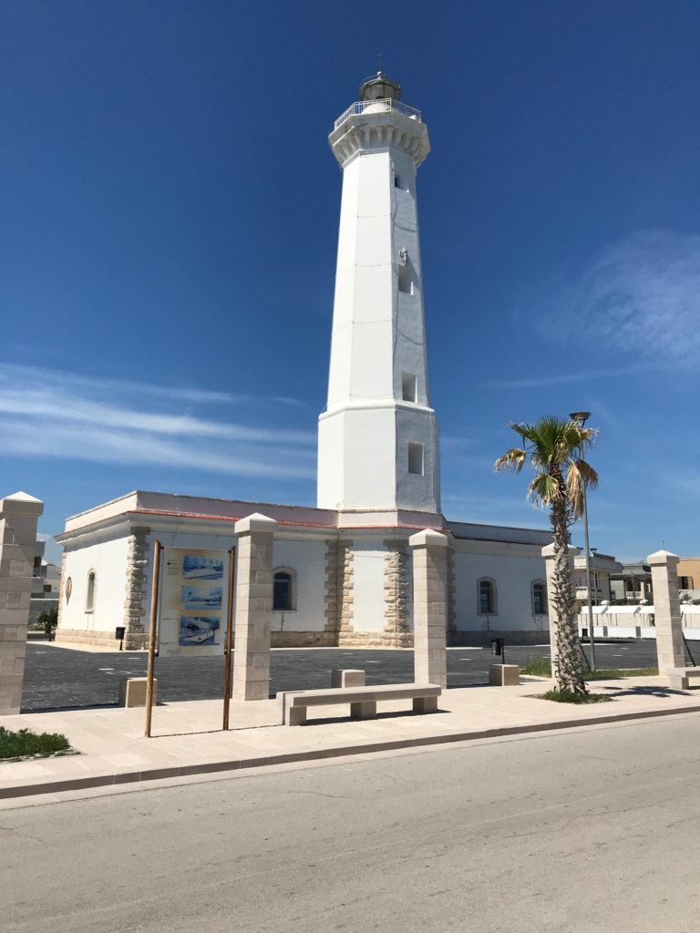 Torre Canne, Leuchtturm