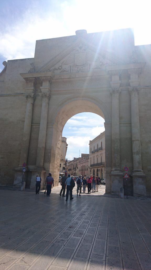 Lecce, Porta Napoli als Tor zur verkehrsfreien Altstadt