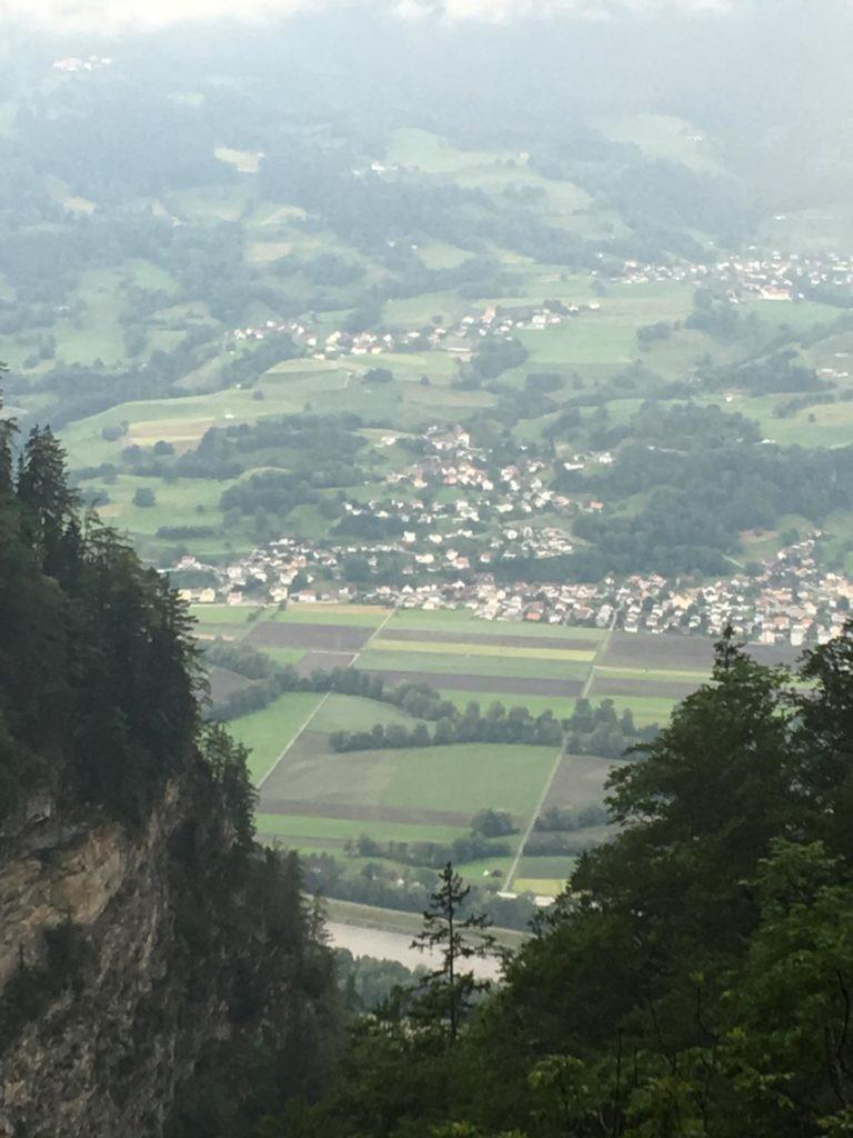 Wanderung Tuass - Blick ins Rheintal