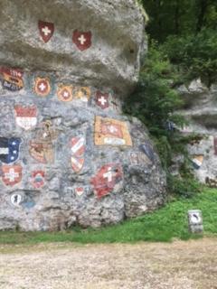 Kantonswappen gemalt von Soldaten im 1. Weltkrieg