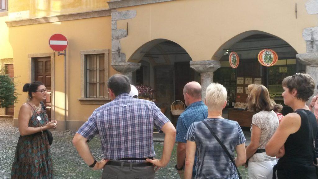 Ortskern Cannobio - Unsere sachkundige Führerin zeigt uns die geschichtsträchtigsten Ecken.