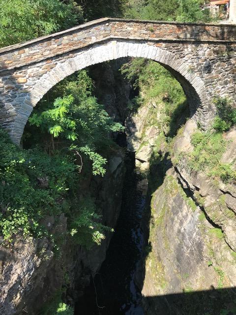 Cannobiotal - Brücke über die Felsenschlucht bei Sant' Anna