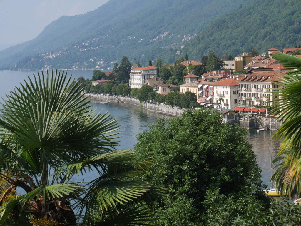 Cannero - Startpunkt unserer Wanderung nach Cannobio mit Blick auf das malerische Dorf