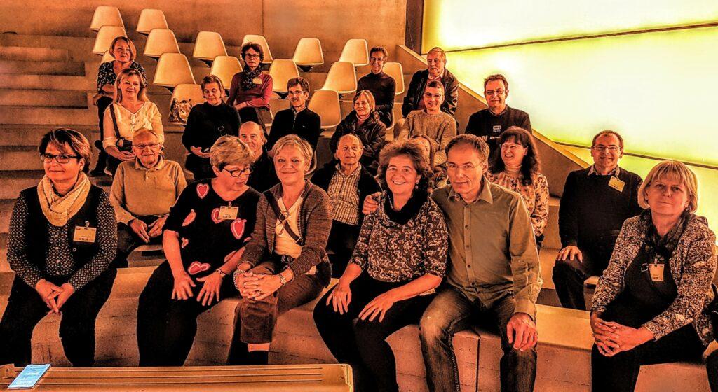 Gruppenfoto in den Zuschauerreihen im Sport-Studio