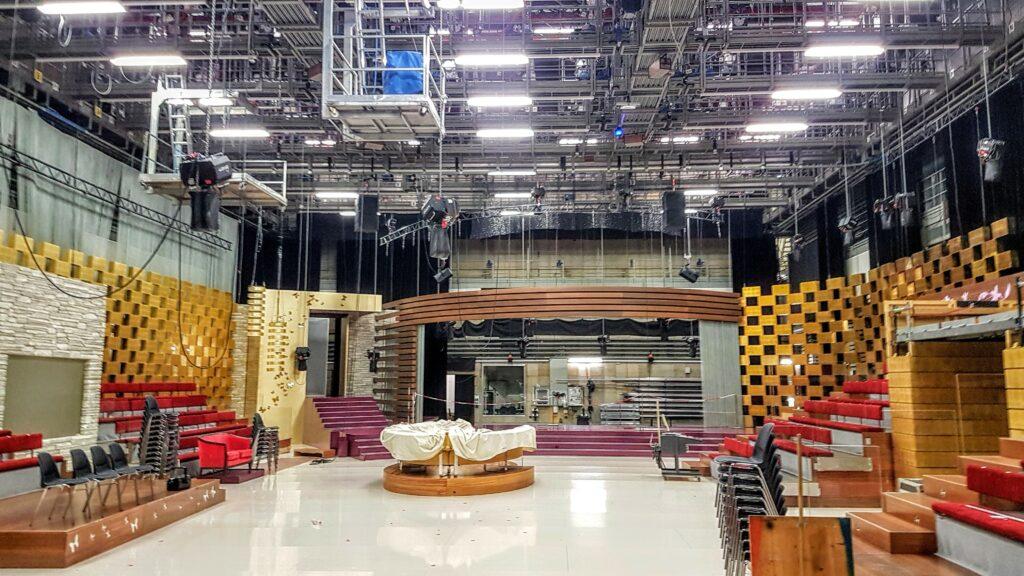 multifunktionales 1200 Quadratmeter grosses Happy Day-Studio
