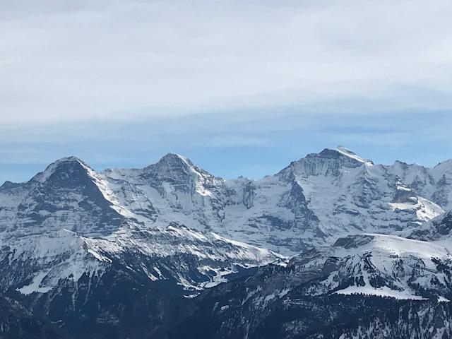 freie Sicht vom Niederhorn auf Eiger, Mönch und Jungfrau