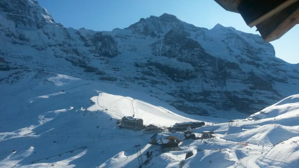 Blick vom Aussichts-Hochstand Richtung Kleine Scheidegg
