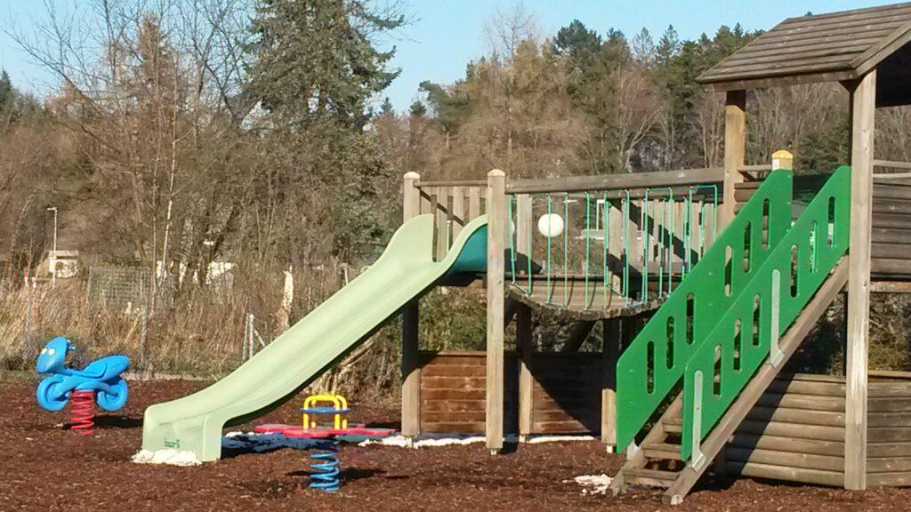 Kinderspielplatz im Wohnquartier - 31.03.2020