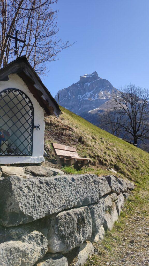 Blick Richtung Hahnen; der 2606 m hohe Berg gehört zu den Urner Alpen und wird oft als Engelberger Hausberg bezeichnet. - 05.04.2020