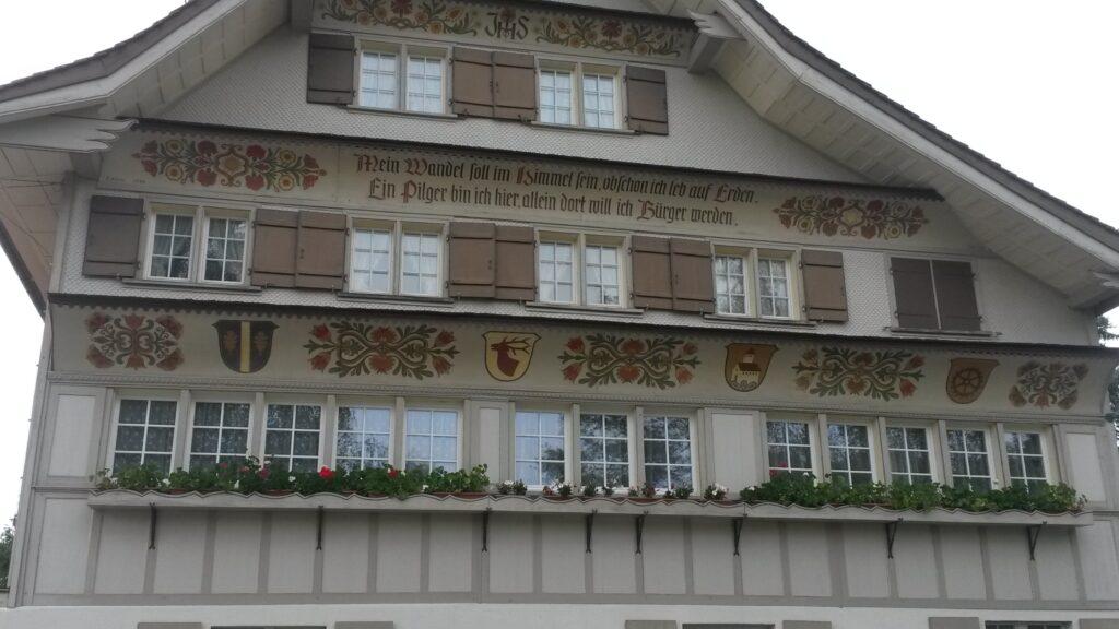 Appenzeller Haus in Andwil mit Inschrift, Regina - 31.05.2020