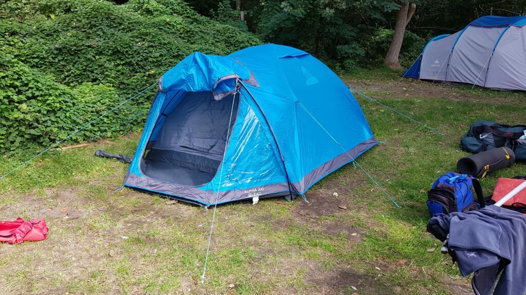 Andrea am Campieren in Yvonand