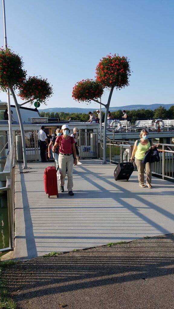 Ausstieg nach einer 3,5-stündigen Schifffahrt ab Neuchâtel