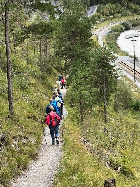 unterwegs Richtung Wanderziel in Valendas-Sagogn