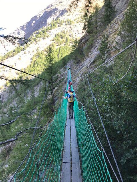 luftige Almageller-Hängebrücke auf dem Erlebnisweg