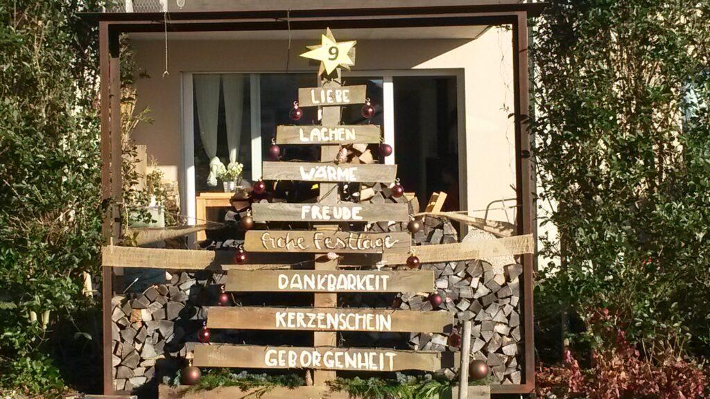 Holztanne mit Weihnachtsgedanken - 16.12.2020