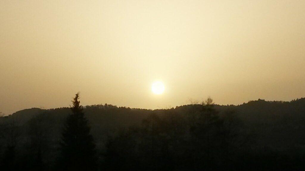 Sonnenaufgang im Saharastaub - 23.02.2021