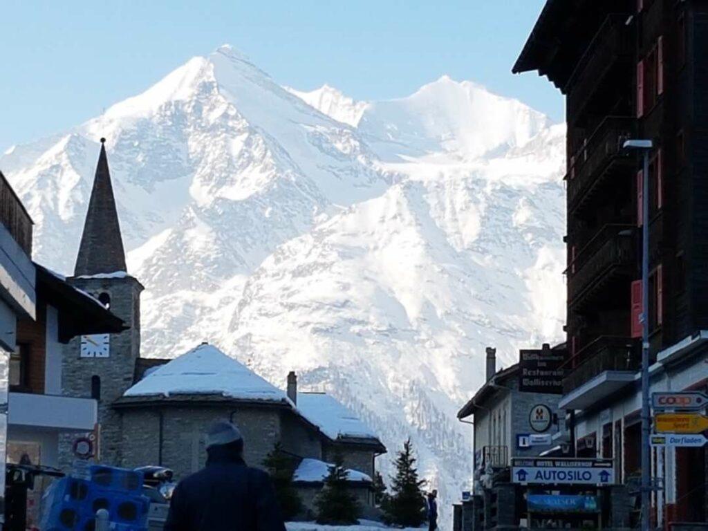 Blick vom Dorf Grächen Richtung Fletschhorn (3917m), Lagginhorn (4010m) und Weissmies (4017m) - Heiri, 28.02.2021