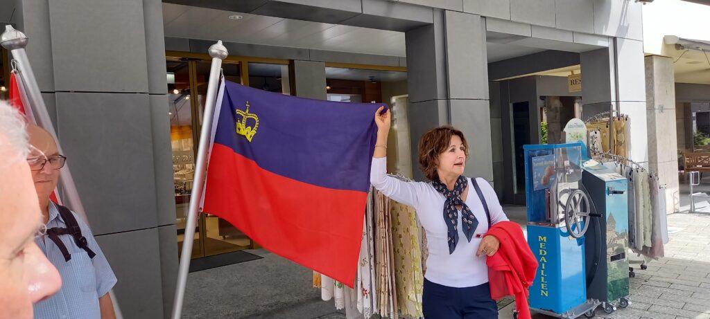Flagge des Fürstentums Liechtenstein - 09.07.2021
