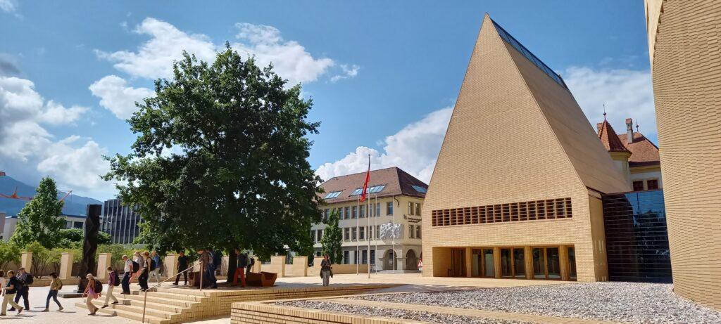 grossräumiger Landtagsplatz - 09.07.2021