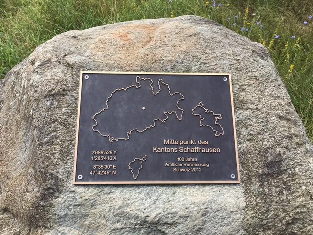 Mittelpunkt des Kantons Schaffhausen im Eschheimertal, Gemeinde Beringen