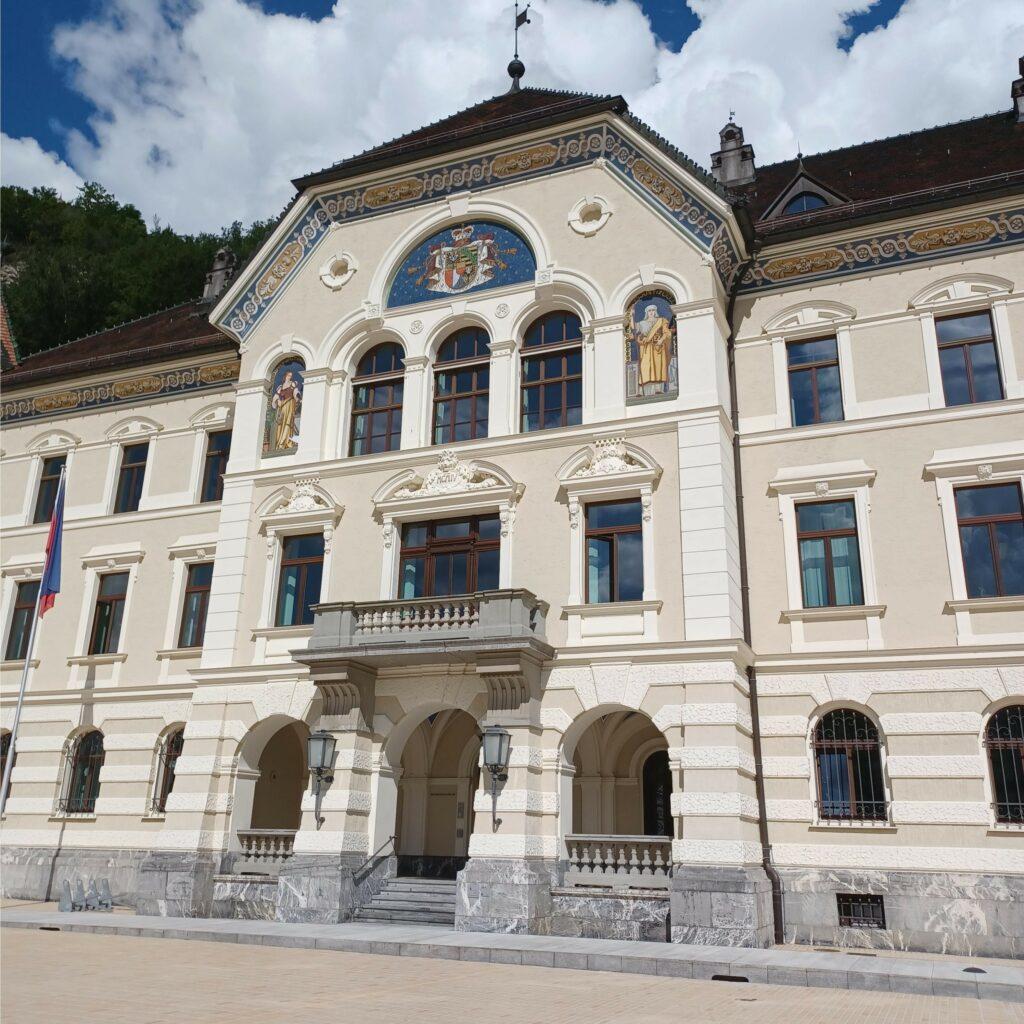 Vaduz, Parlamentsgebäude - 09.07.2021