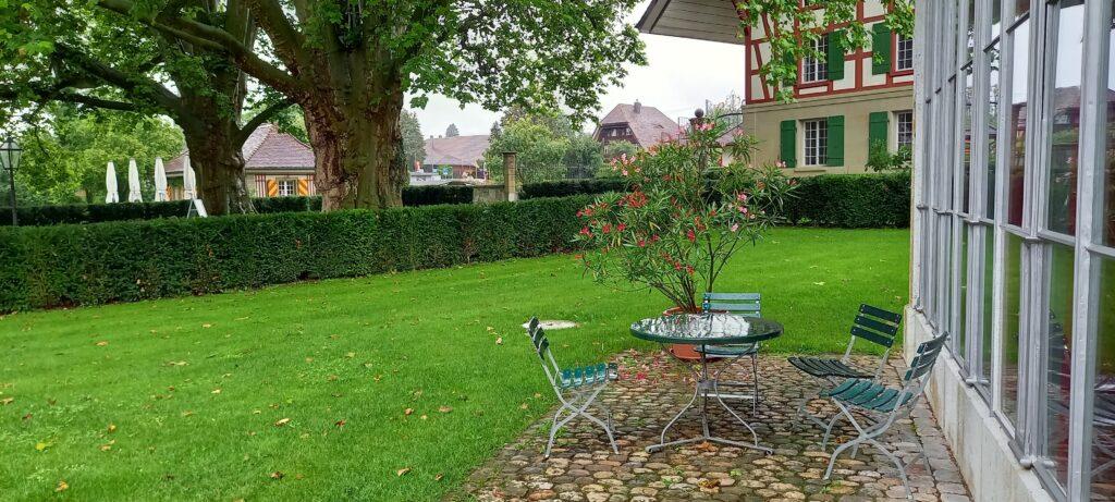 Schloss Jegenstorf, vor dem Garten-Pavillon - 01.08.2021