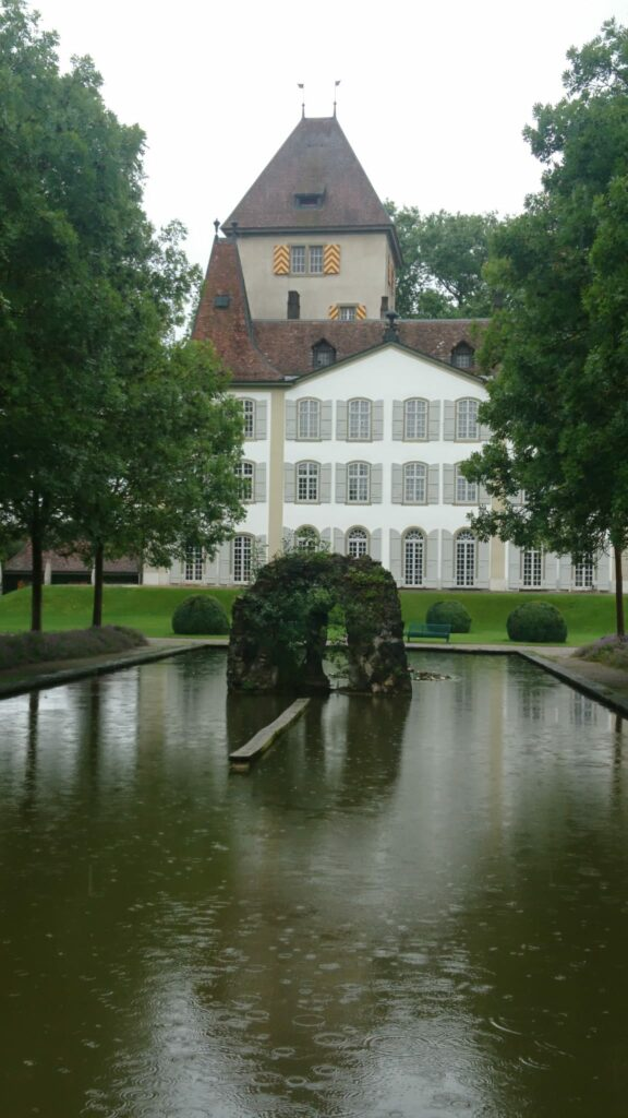 Schloss Jegenstorf, Parkanlage im Regen - 01.08.2021