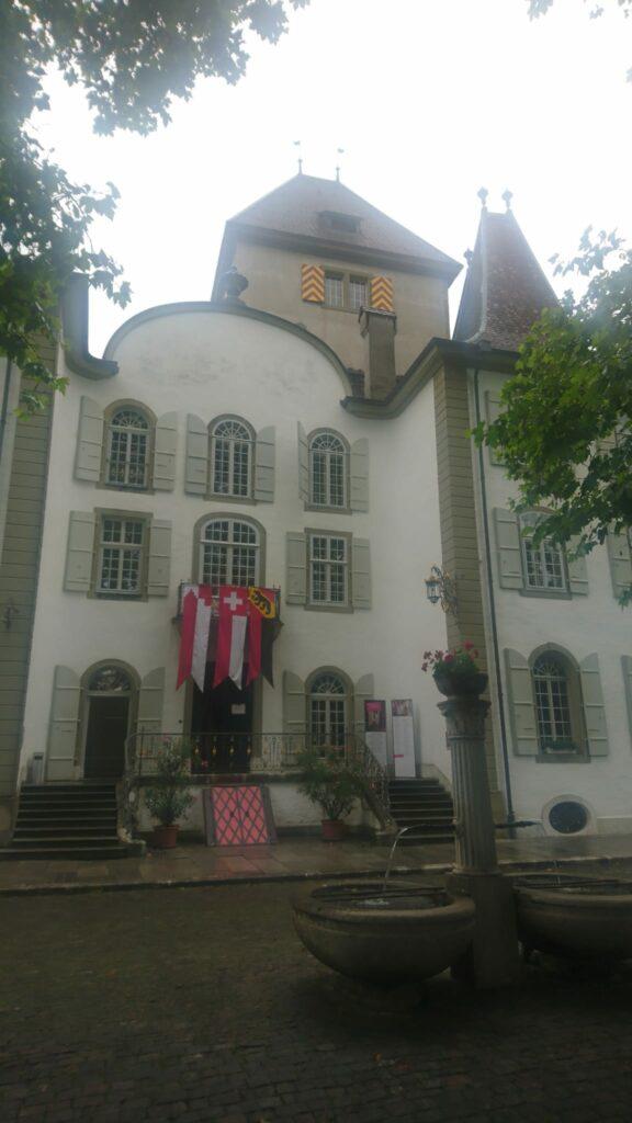 Schloss Jegenstorf im Regengrau - 01.08.2021