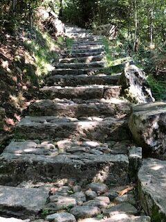 typische Steintreppe - 11.09.2021
