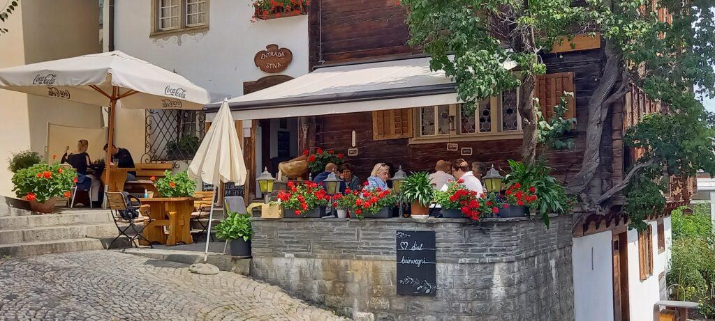 Gartensitzplatz der STIVA GRISCHUNA in Disentis - 22.08.2021