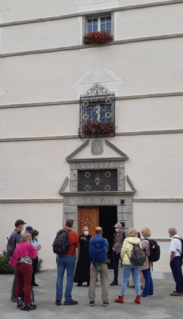 Start der spannenden Klosterführung mit dem Pater - 22.08.2021