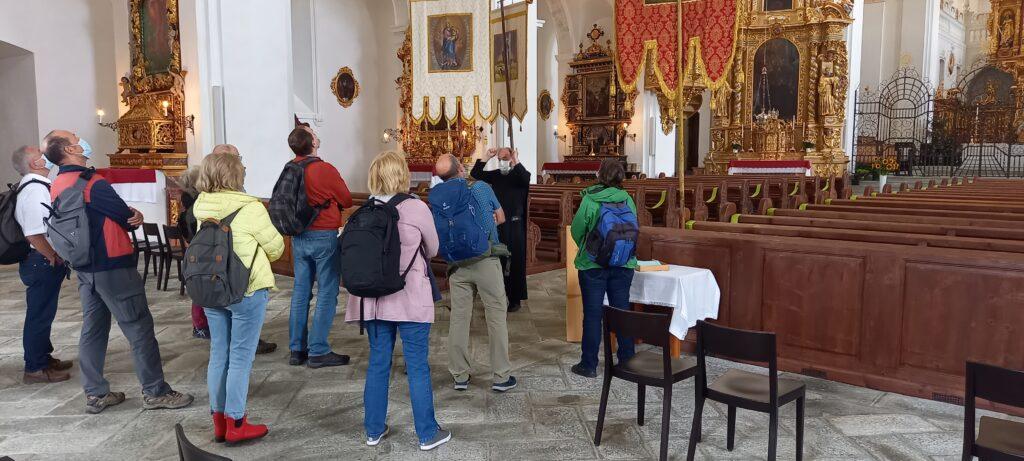 Erläuterungen des Paters zur Klosterkirche Disentis - 22.08.2021
