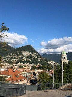 Blick vom Bahnhof Lugano Richtung Monte Bré -21.09.2021