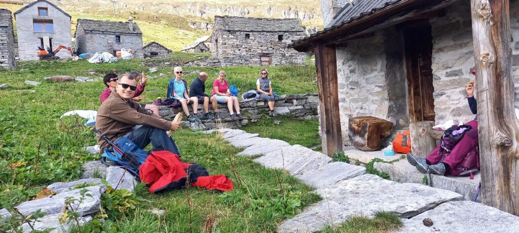 verdiente Mittagsrast auf der Grossalp, oberhalb Bosco Gurin 13.09.2021