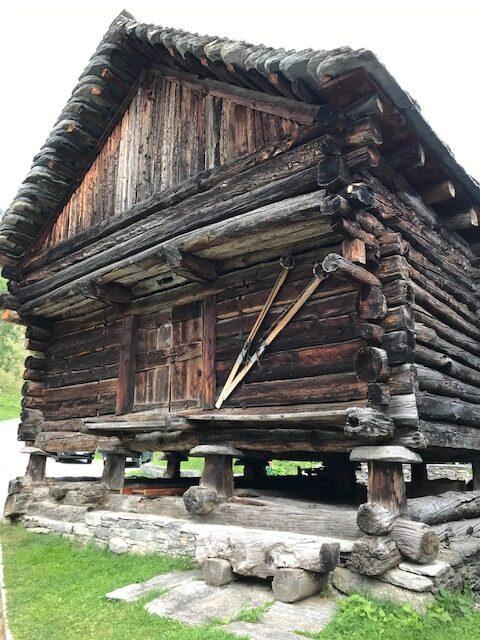 älteres Gebäude in Bosco Gurin -13.09.2021