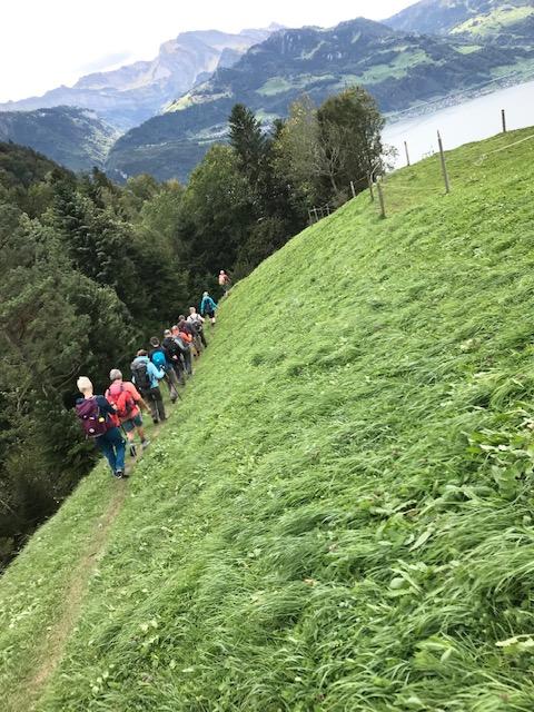 auf dem Abstieg vom Gätterlipass nach Gersau - 03.10.2021